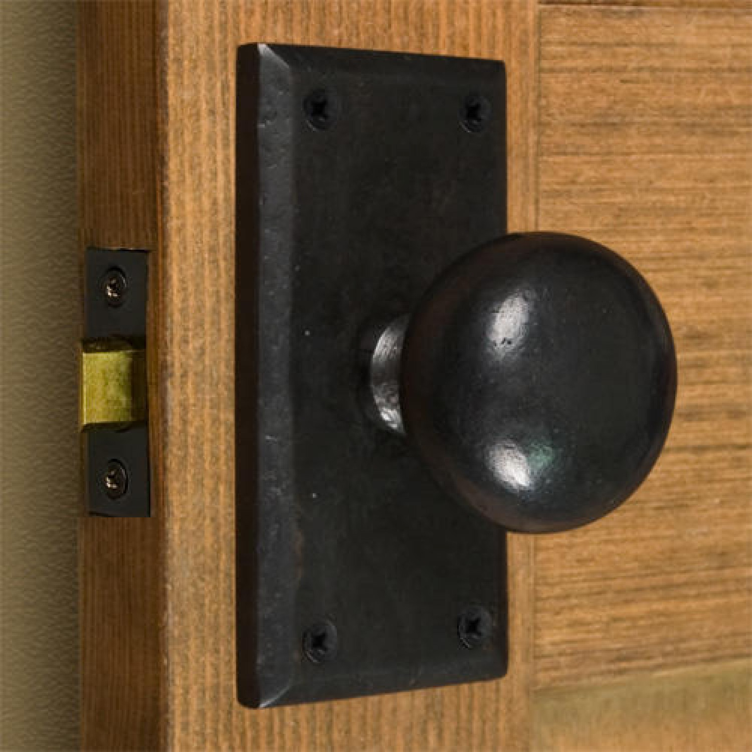doors and knobs hardware photo - 6