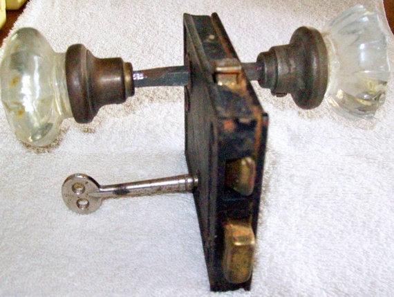 double door knobs photo - 16
