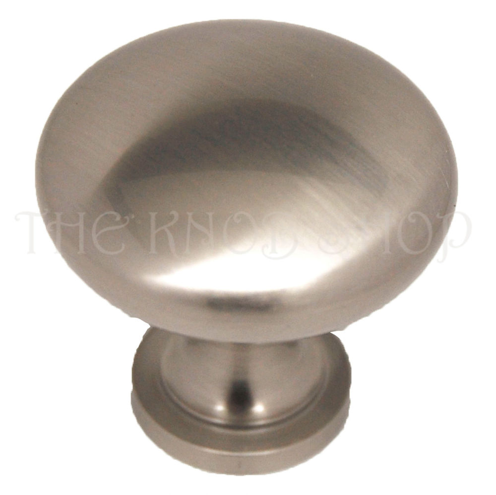 dresser door knobs photo - 20