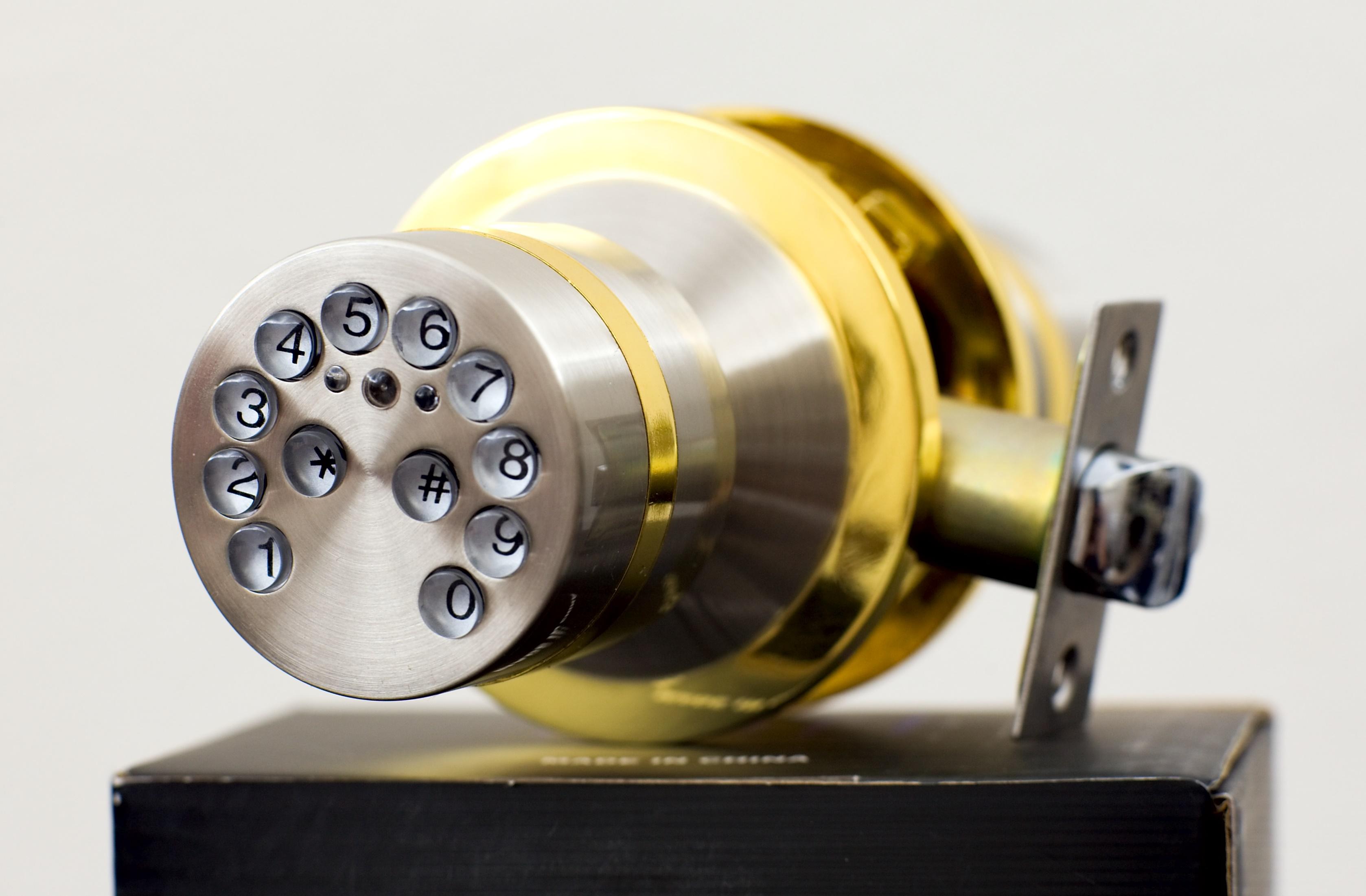 electronic door knob lock photo - 9