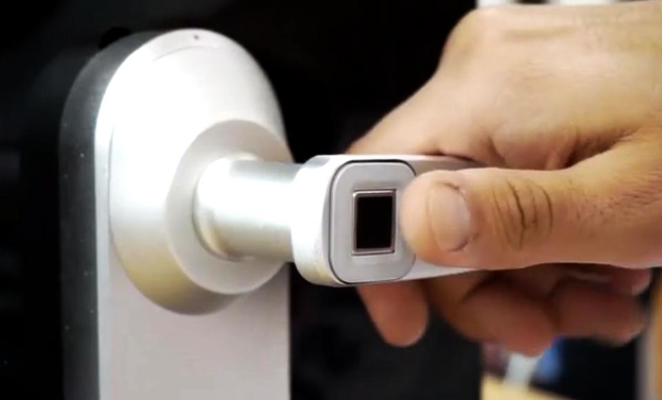fingerprint door knob photo - 11
