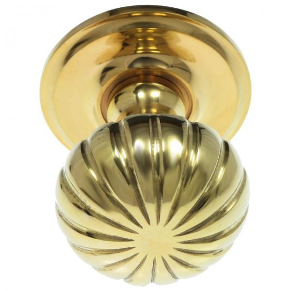 fitting door knobs photo - 1