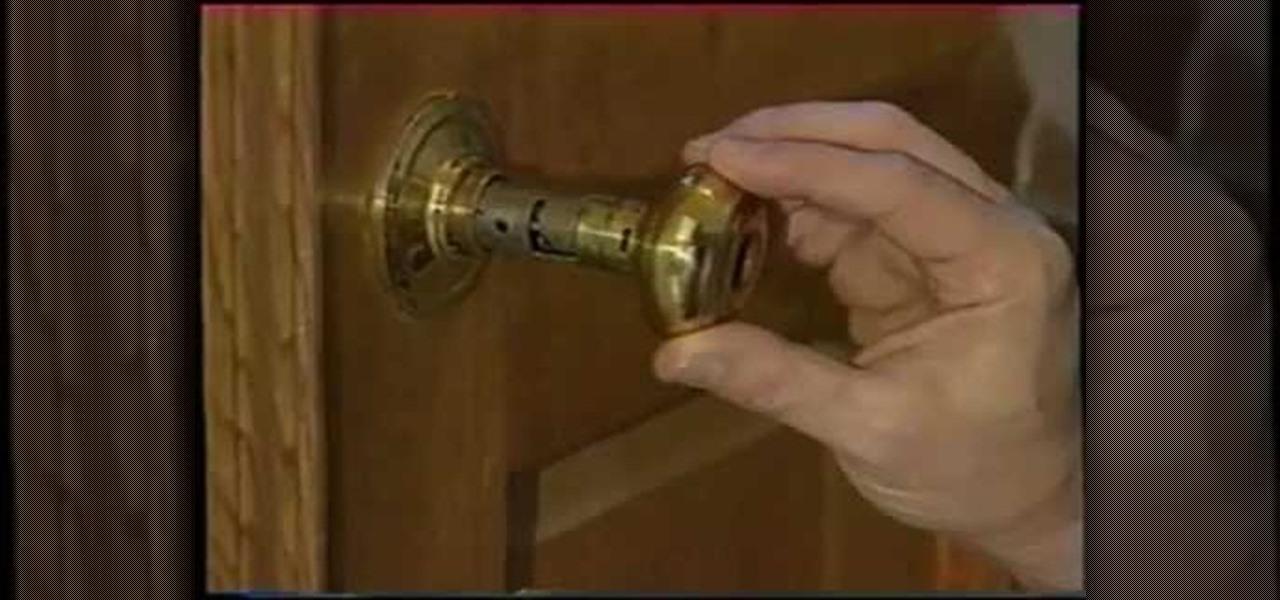 fix broken door knob photo - 1