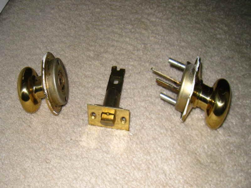 fixing door knob photo - 20