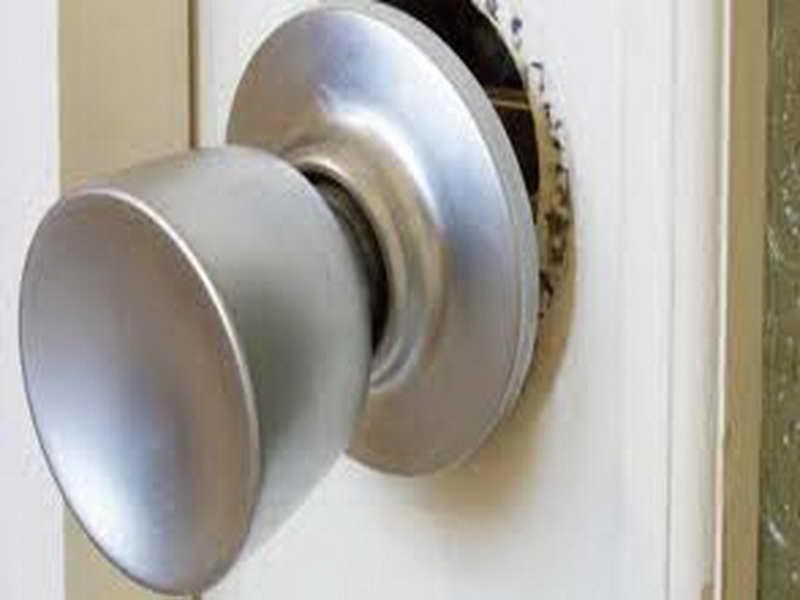fixing loose door knob photo - 8