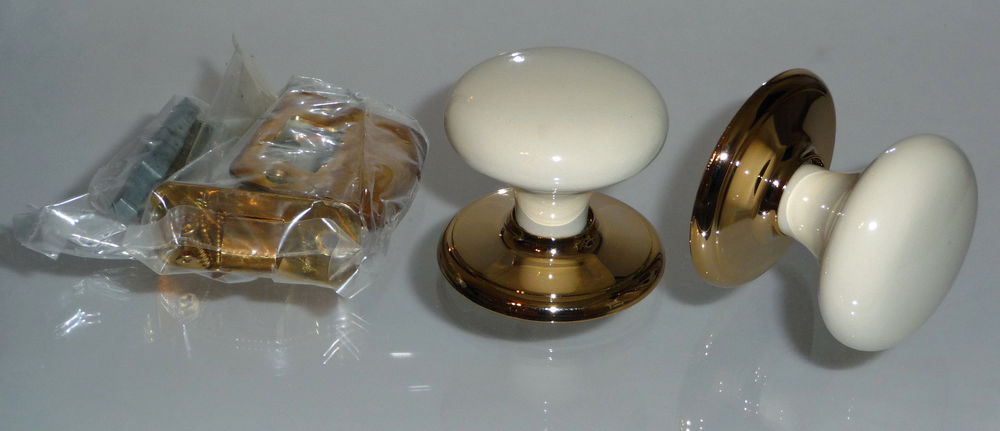 gainsborough porcelain door knobs photo - 10