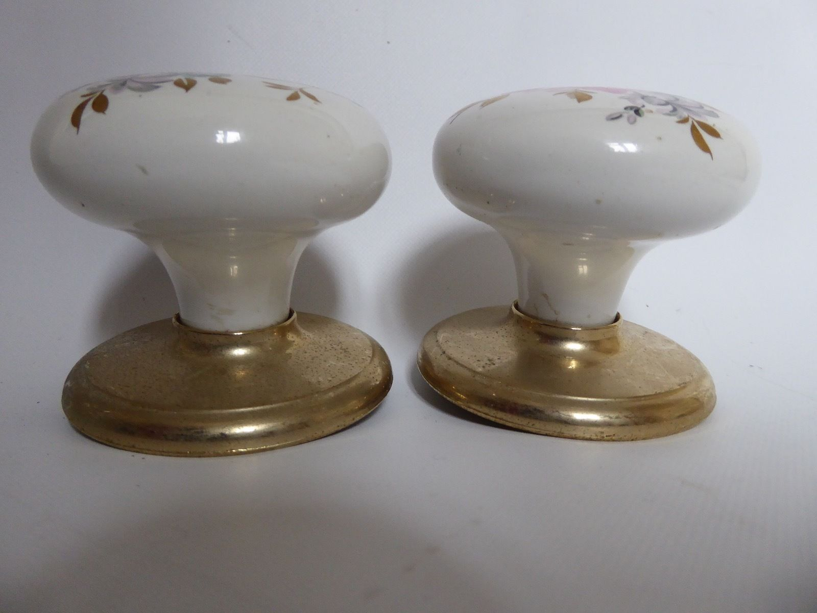 gainsborough porcelain door knobs photo - 4