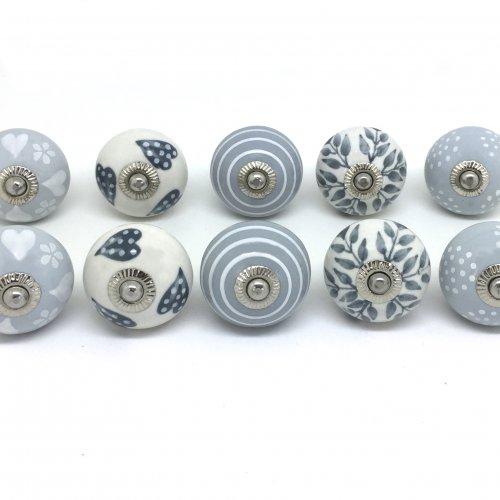 grey door knobs photo - 9
