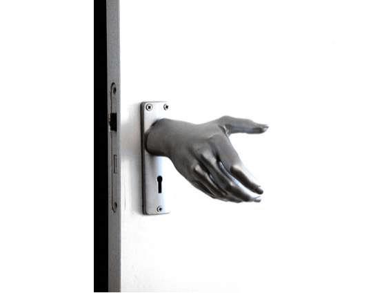 hand door knob photo - 10