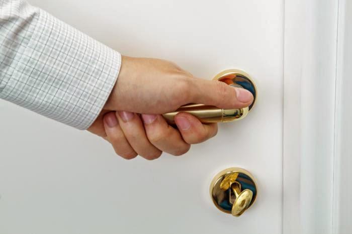 hand door knob photo - 19