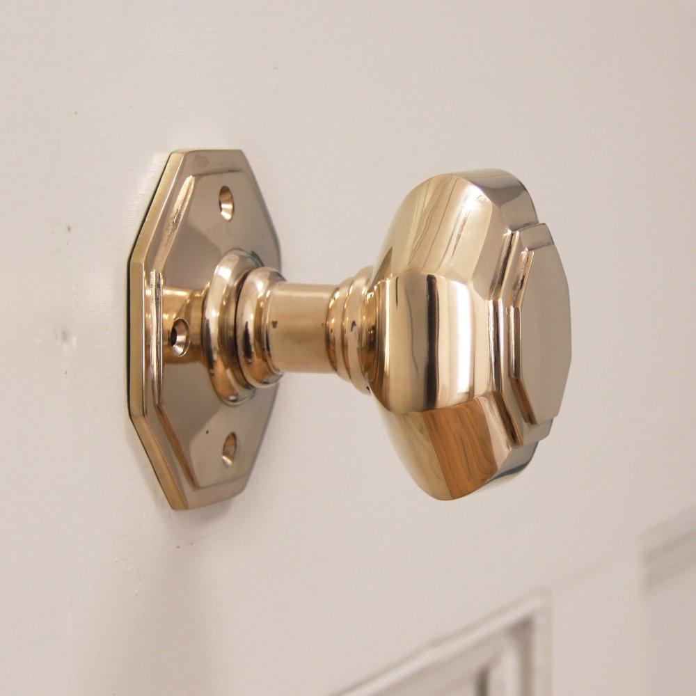 hand-le door knob photo - 10