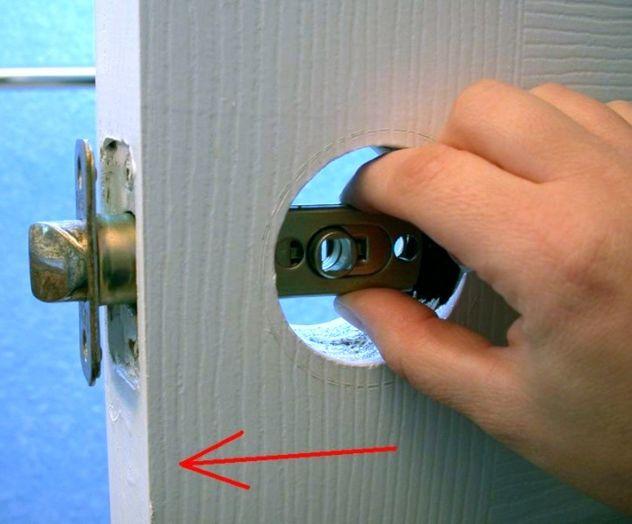 inside a door knob photo - 11