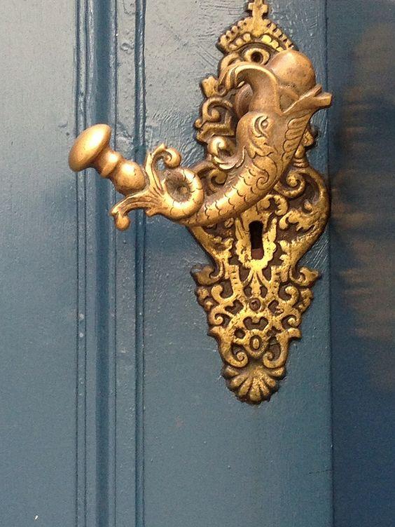 interesting door knobs photo - 11