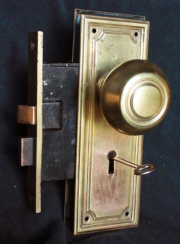 interior door knobs with key lock photo - 3