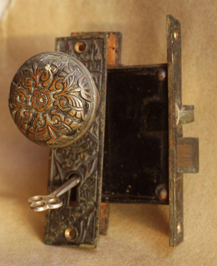 interior door knobs with key lock photo - 9