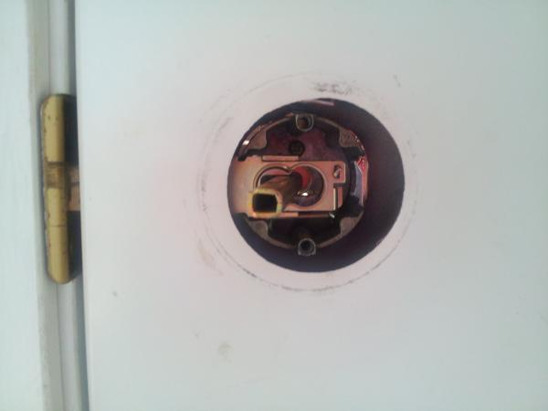 key stuck in door knob photo - 7