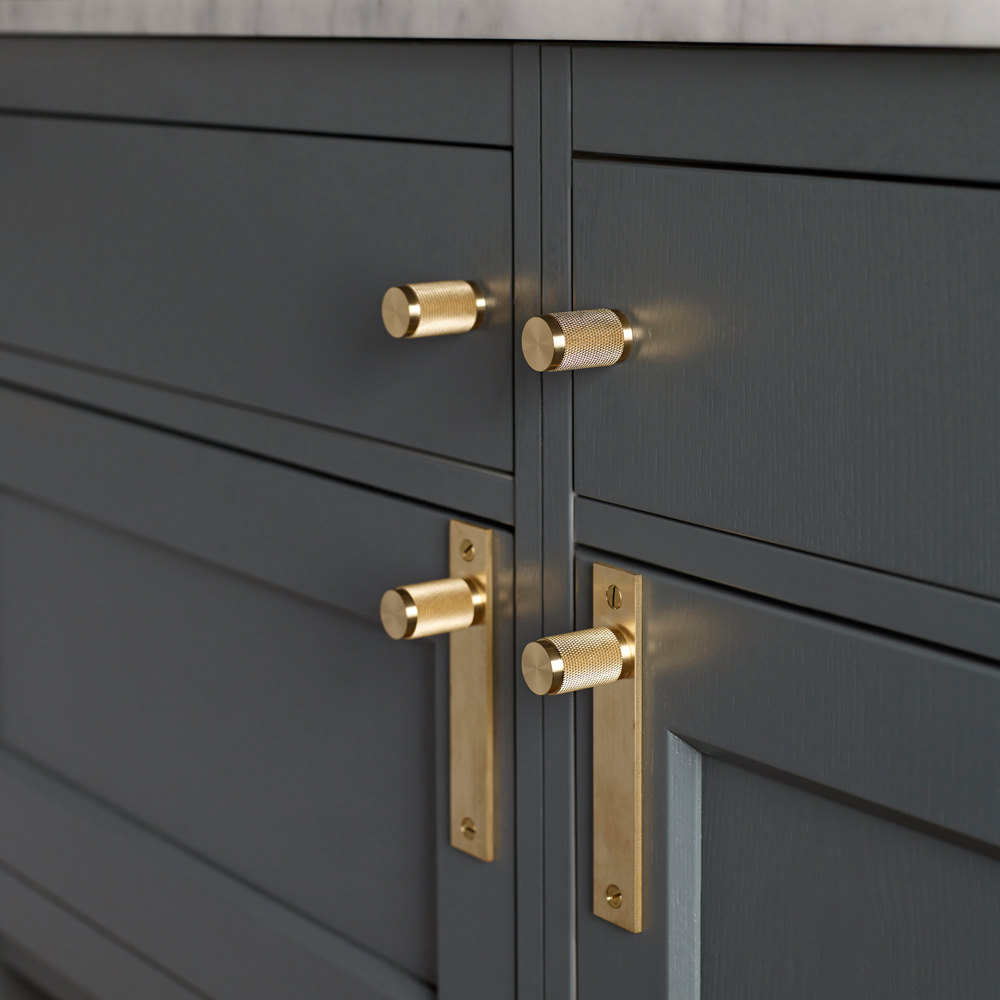kitchen cabinet door handles and knobs photo - 6