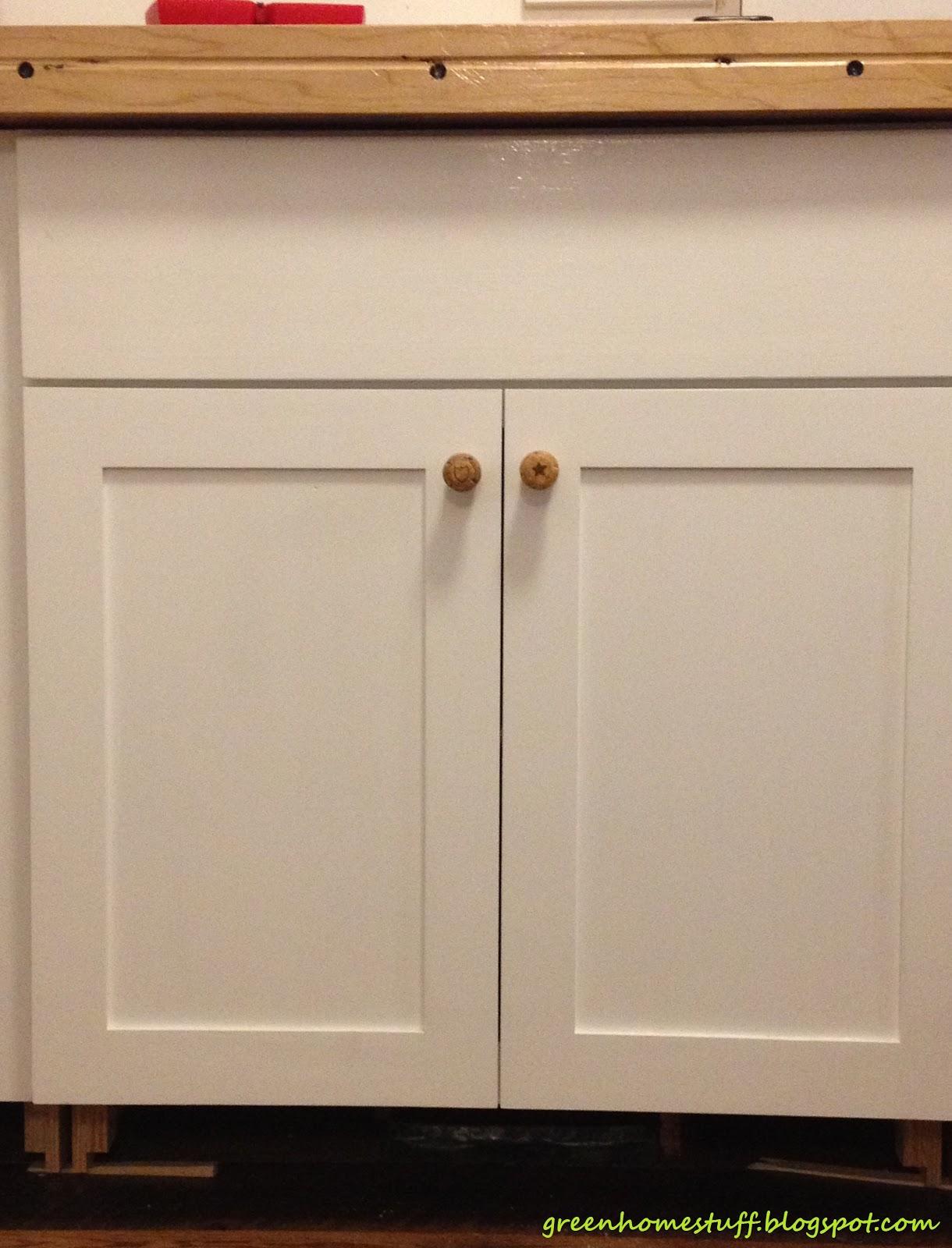 kitchen cabinets door knobs photo - 1