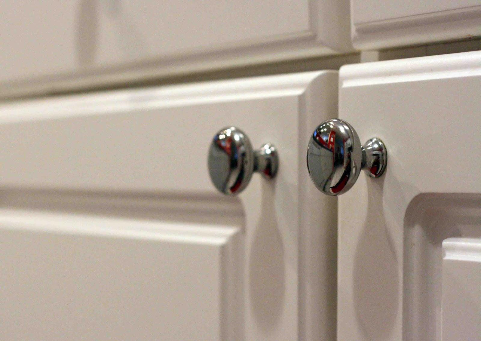 kitchen cupboard door handles and knobs photo - 6