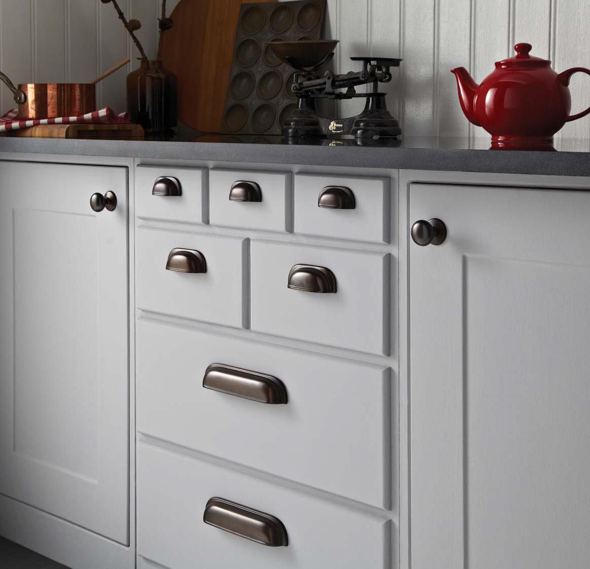 kitchen door handles and knobs photo - 2