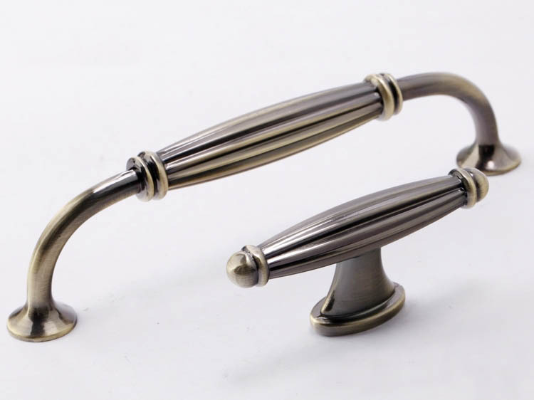 kitchen unit door handles and knobs photo - 17