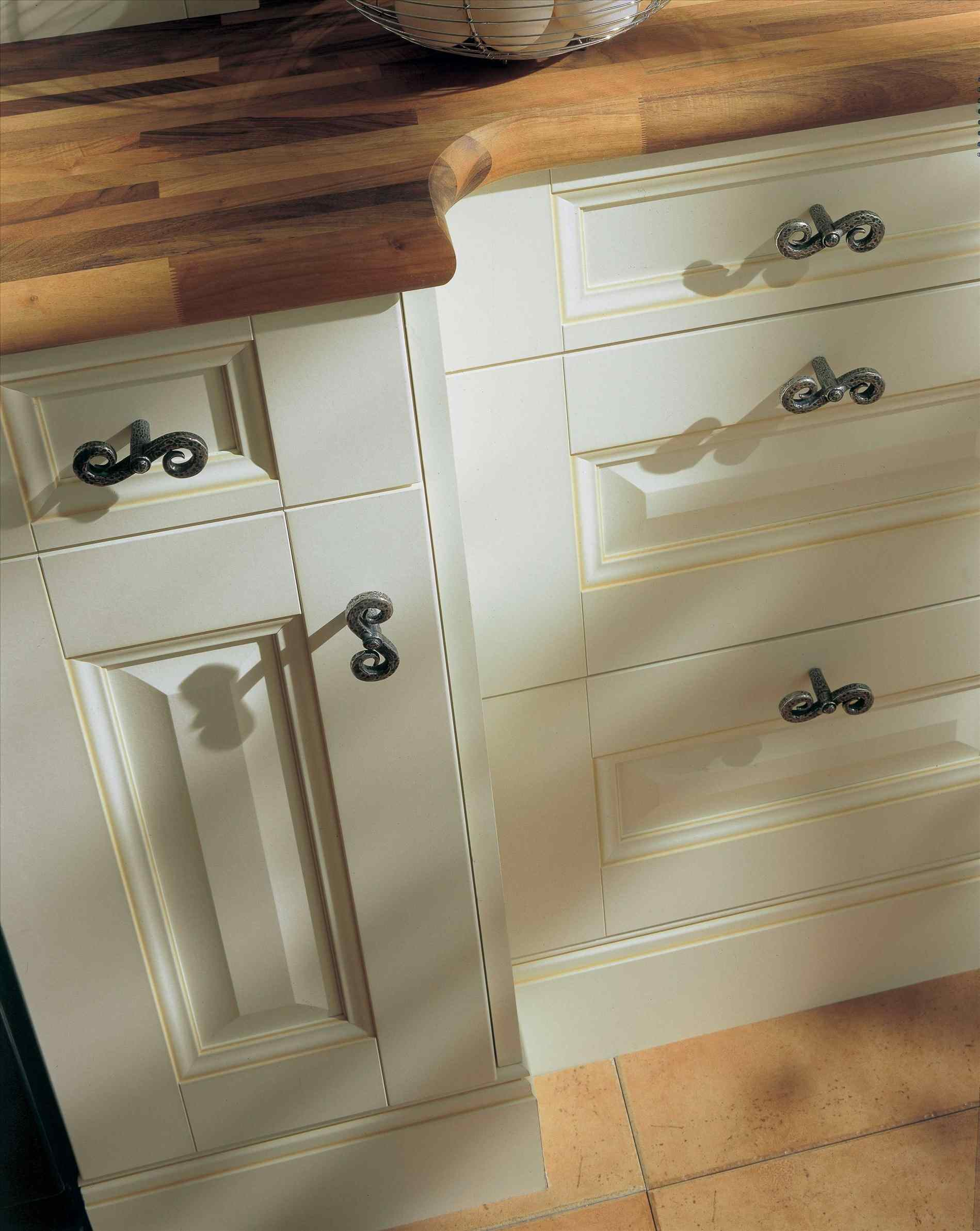 kitchen unit door knobs photo - 13
