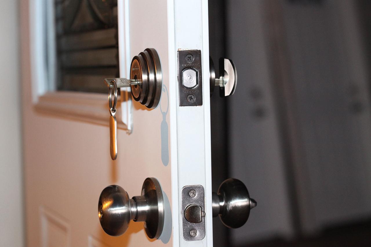 knob door lock photo - 17