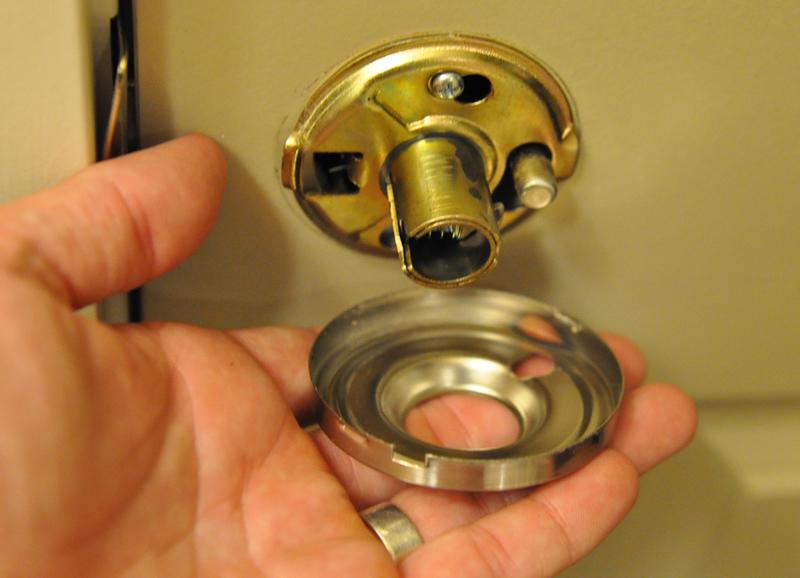 kwikset door knob removal photo - 3