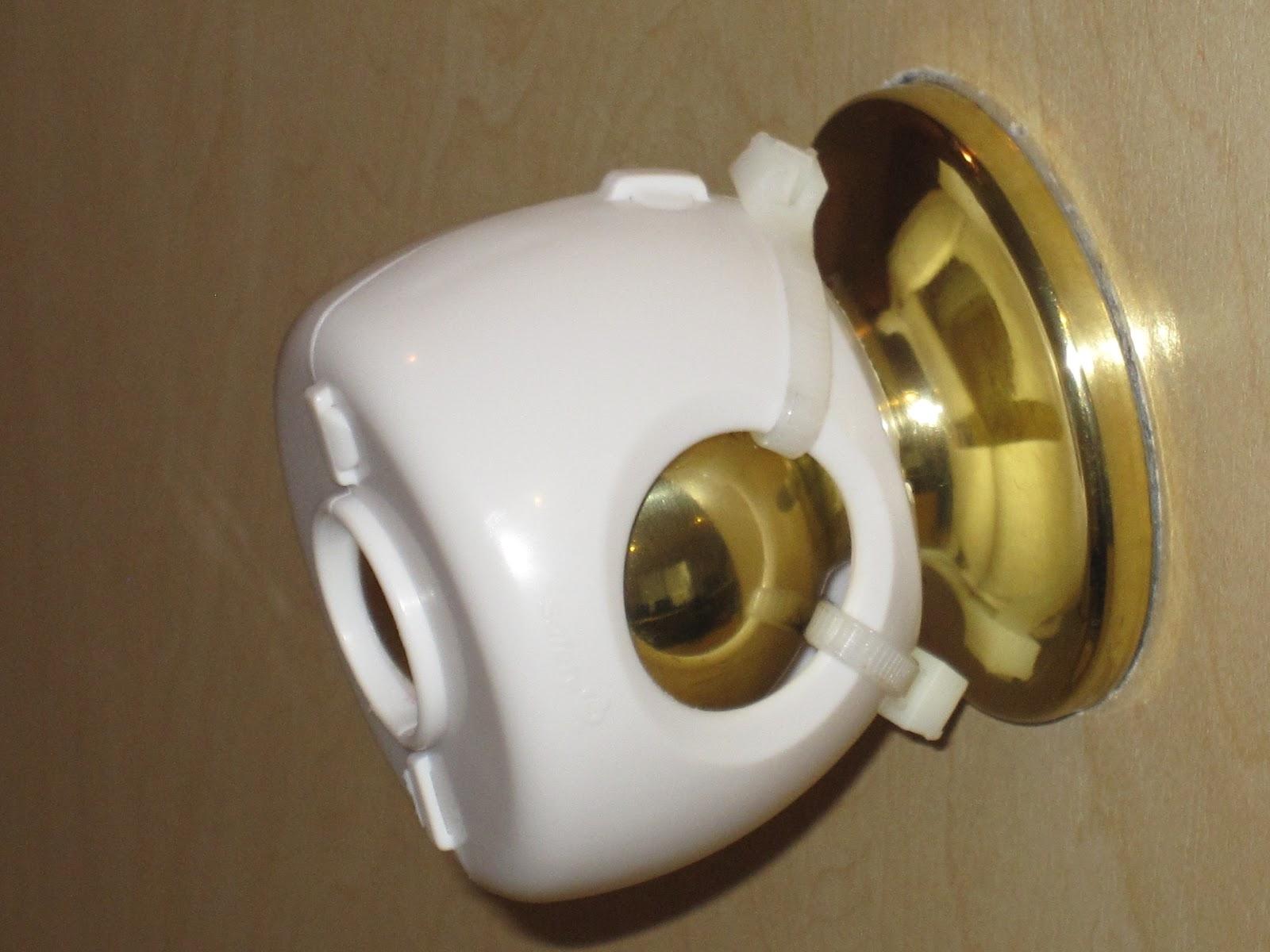 lever door knob child proof photo - 3
