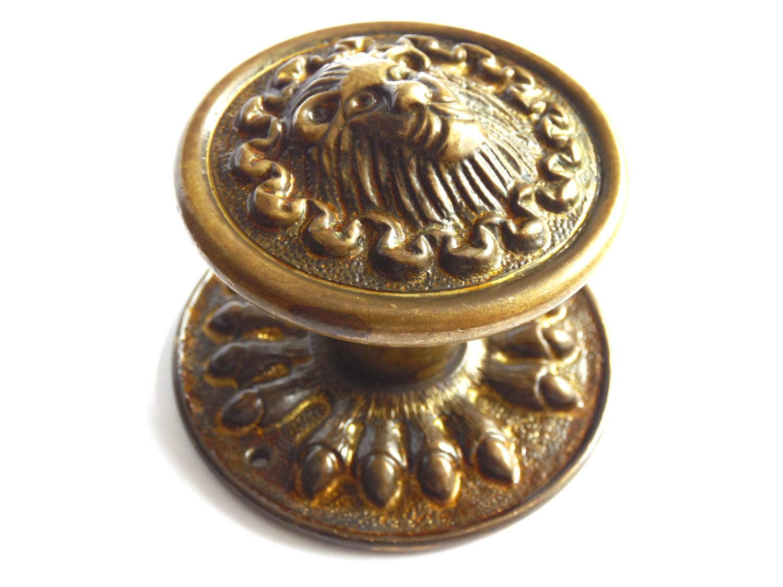 lion head door knob photo - 9