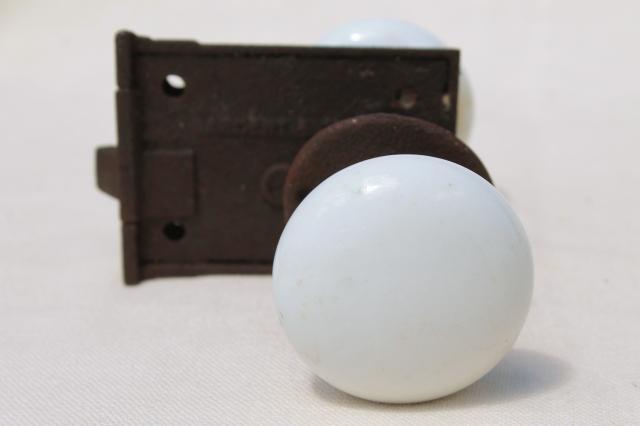 milk glass door knobs photo - 16