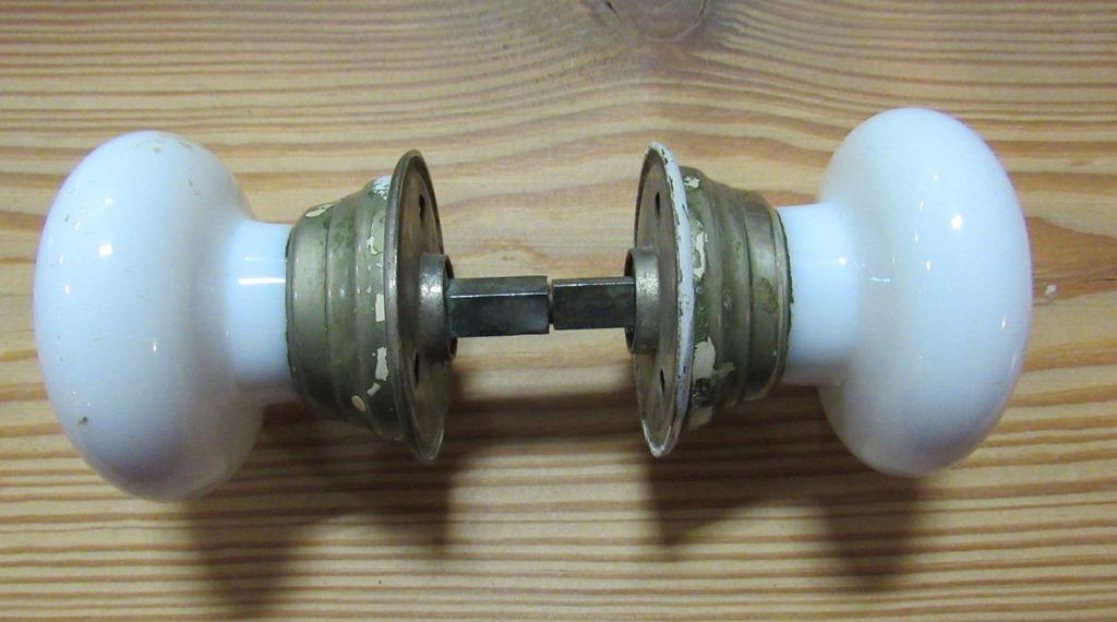 milk glass door knobs photo - 3