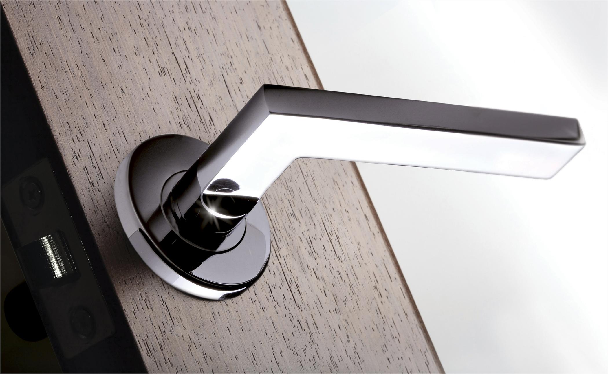 modern door handles and knobs photo - 2