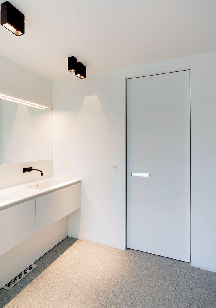 modern door knobs interior photo - 13