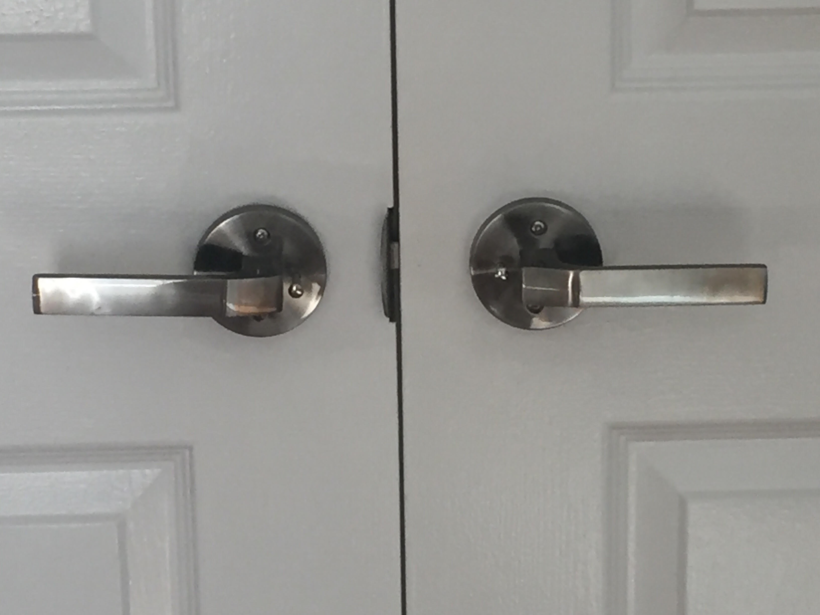 modern door knobs interior photo - 15