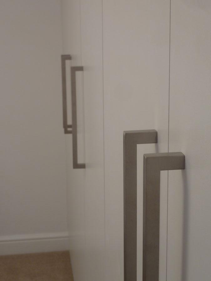 modern door knobs interior photo - 7