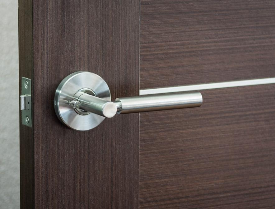 modern door knobs interior photo - 9