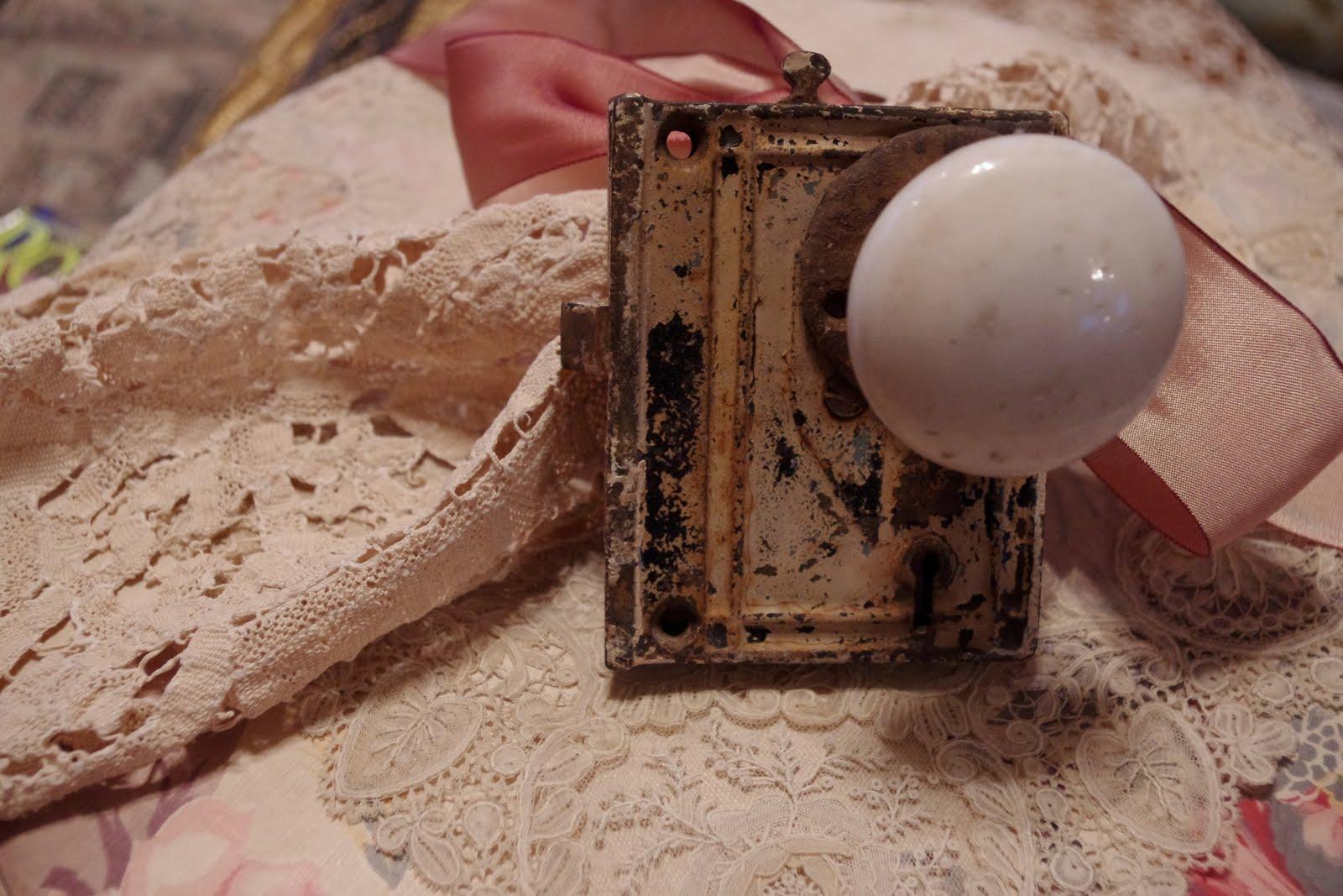old door knob photo - 7