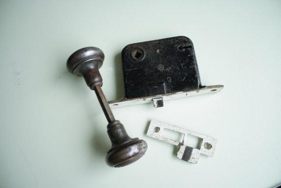 old door knob parts photo - 12