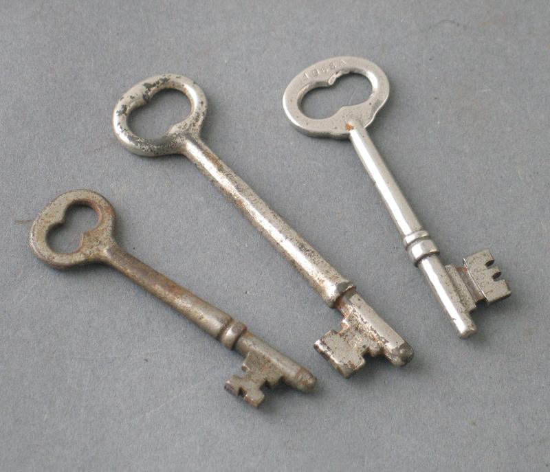 old door knob parts photo - 15