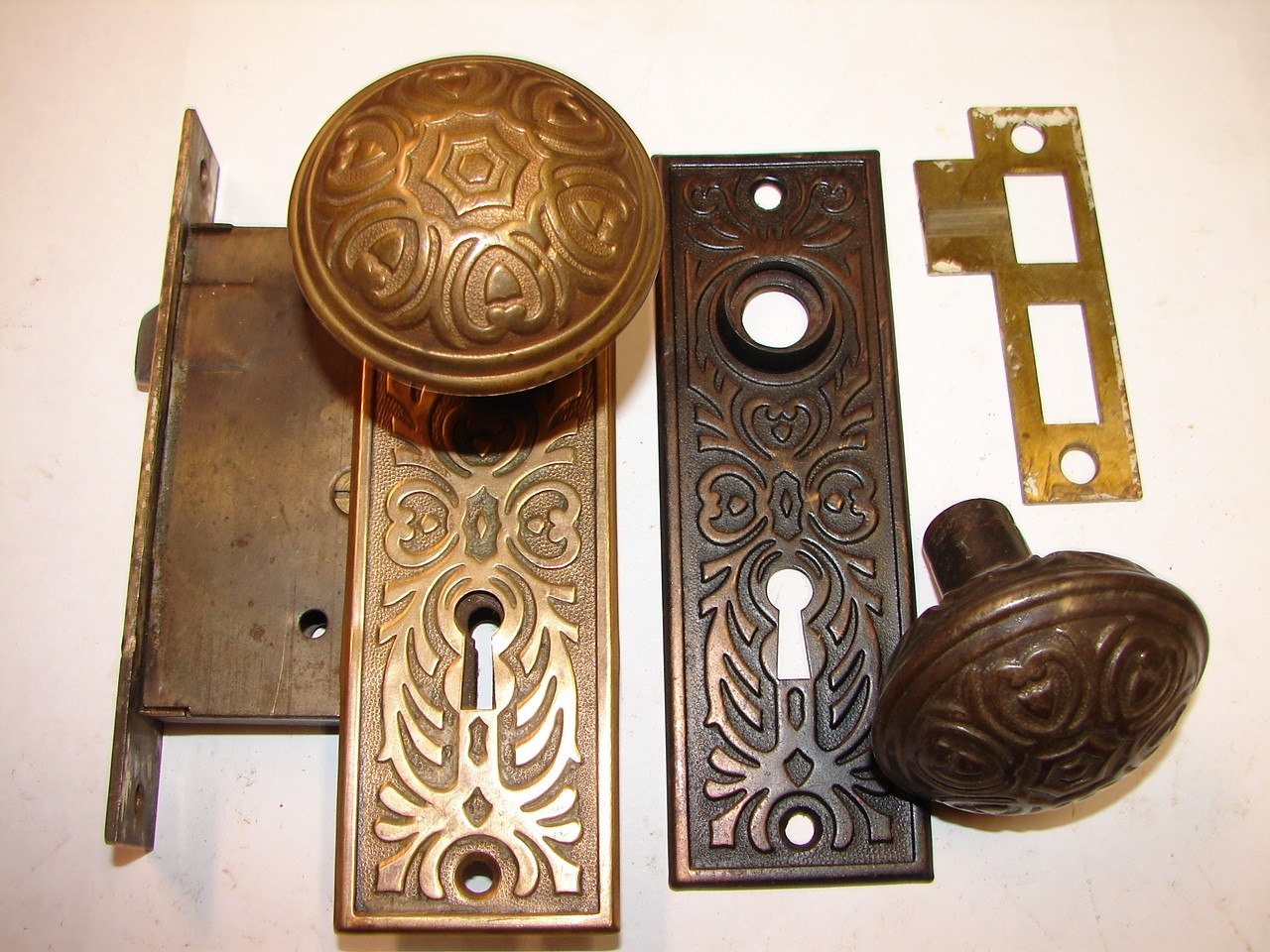 old door knobs and locks photo - 15