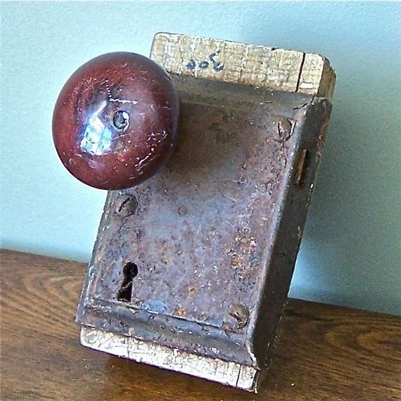 old door knobs and locks photo - 8