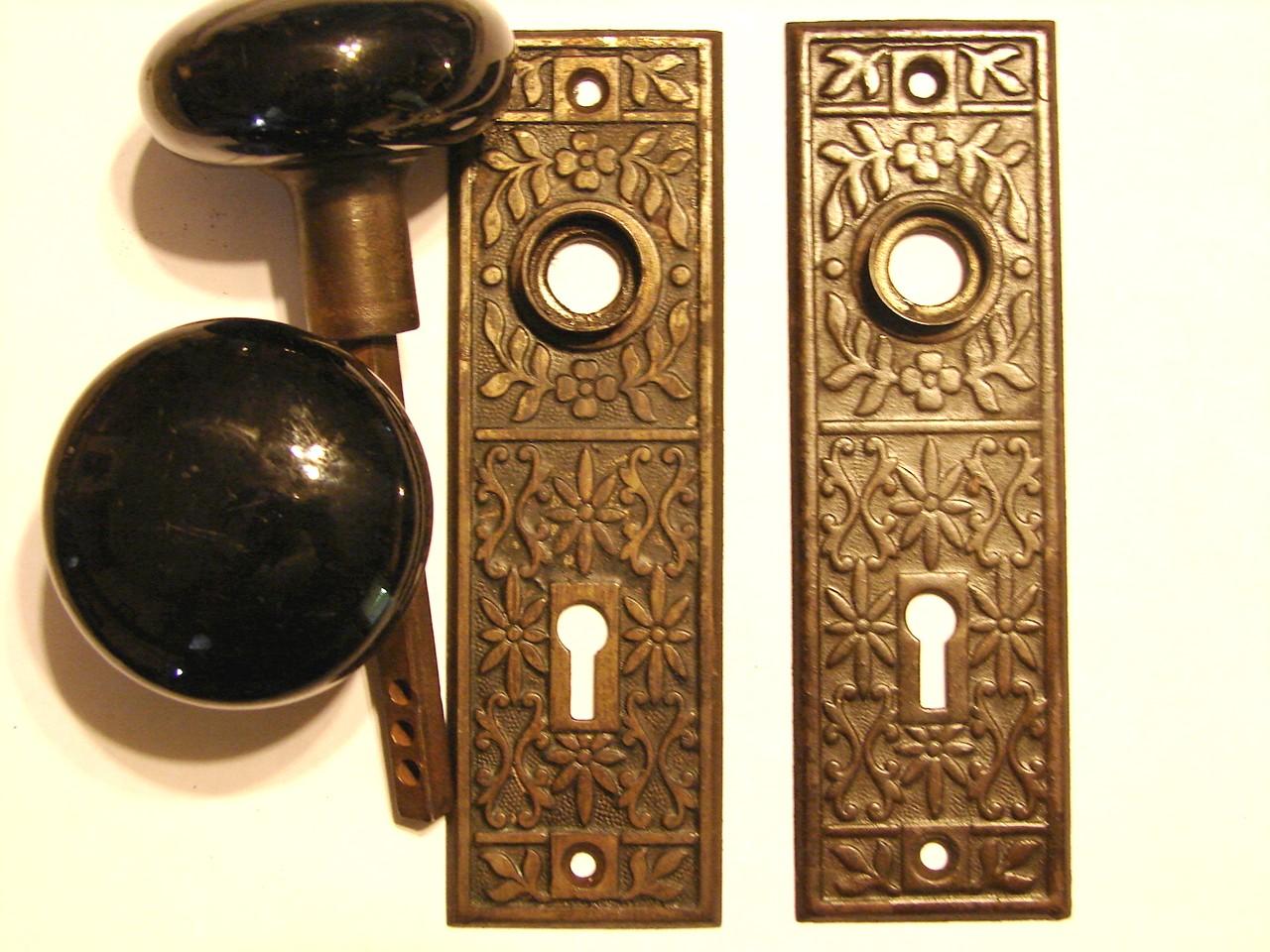 old fashioned door knob photo - 5