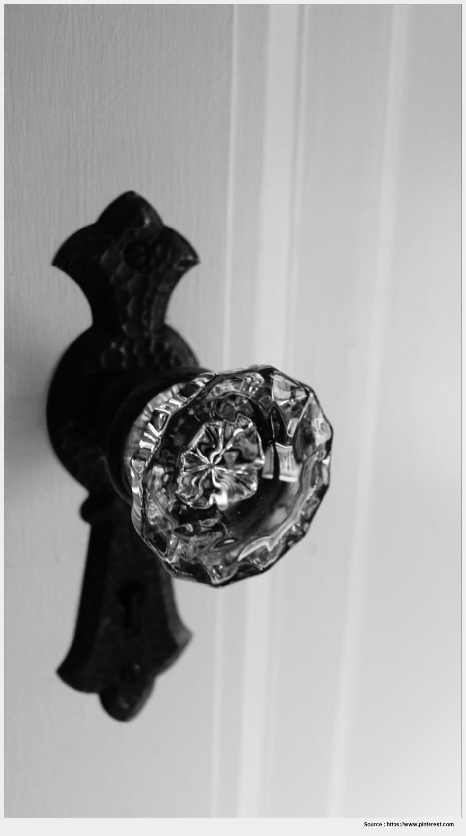 old fashioned glass door knobs photo - 9