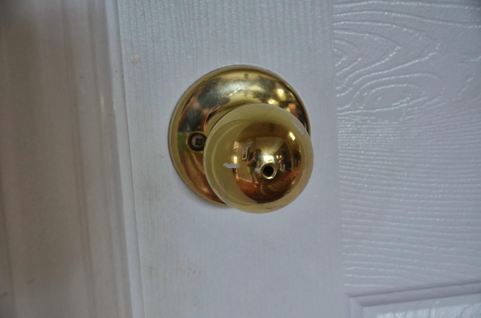 painting door knobs photo - 1