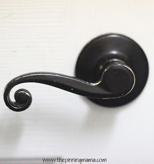 painting door knobs photo - 13