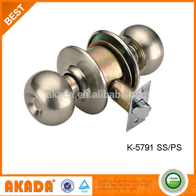 picking a door knob lock photo - 11