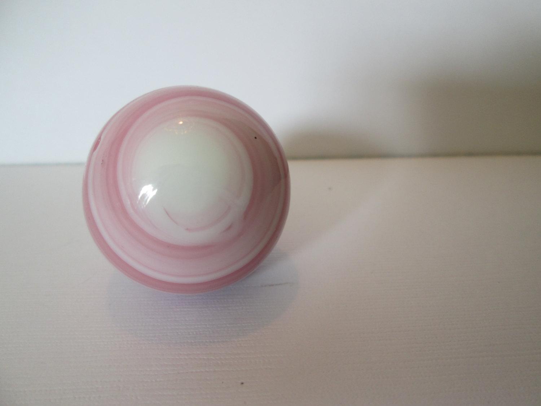 pink glass door knob photo - 8