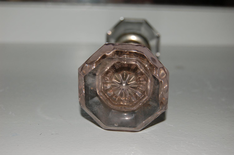 pink glass door knobs photo - 10