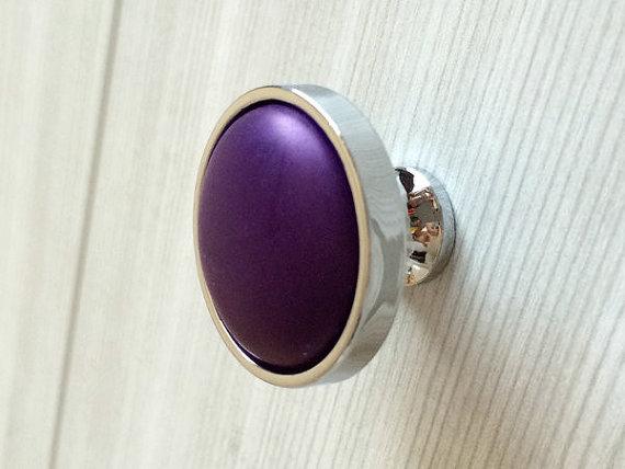 purple door knobs photo - 11